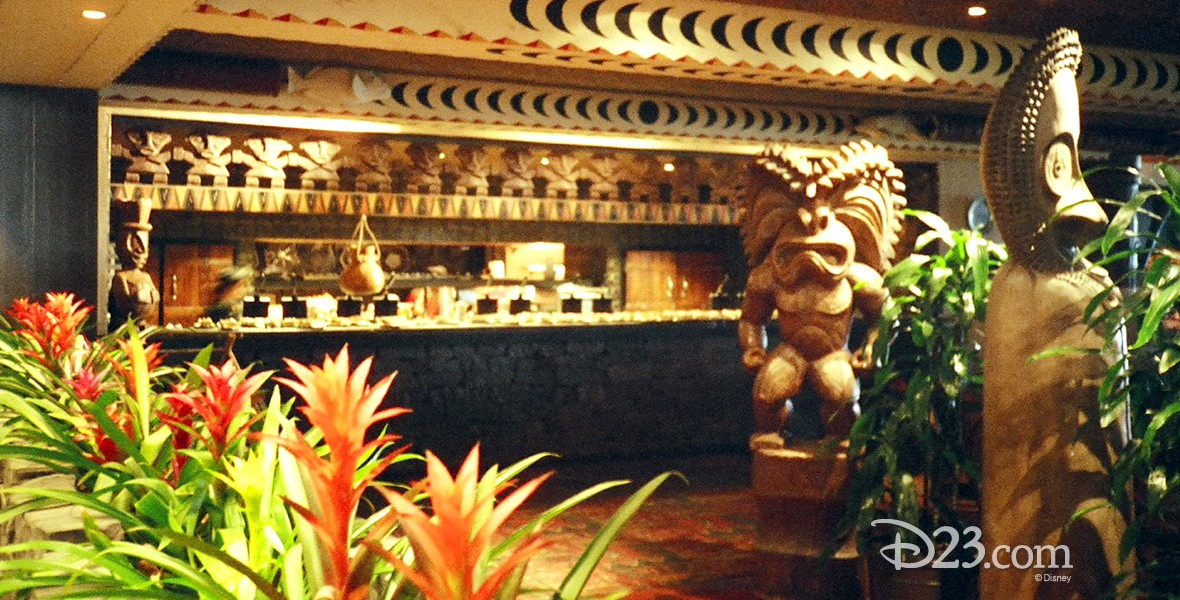 photo of interior of 'Ohana Restaurant in the Polynesian Resort at Walt Disney World