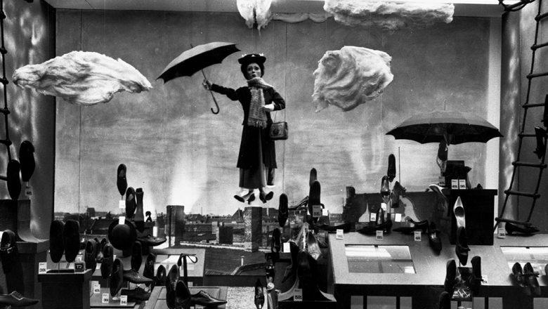 Mary Poppins windows