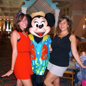 photo of Jaimie and Katie Gensamer posing with Minnie Mouse