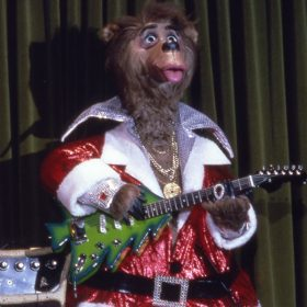 The Country Bear Christmas Special Featuring Liver Lips and his Christmas Tree Guitar