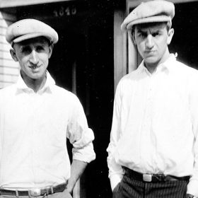 photograph of Walt Disney and Roy O. Disney in 1923