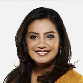 photo of actress Cristela Alonzo playing lead role in ABC's Cristela