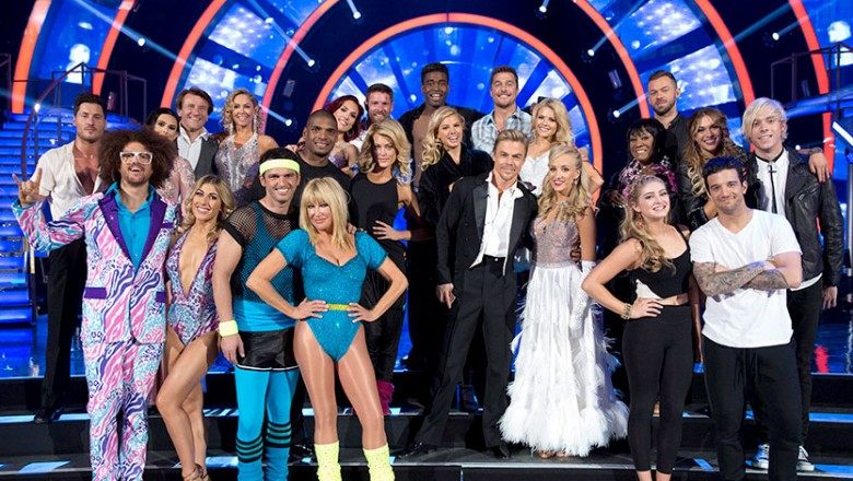 group photo of stars and performers at Dancing with the Stars Disney Night