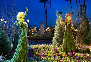 photo of elaborate topiary figures affecting Disney and Pixar characters at EPCOT flower and garden festival