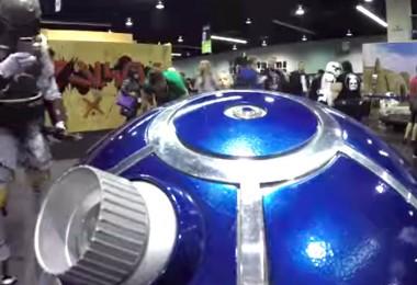 photo of R2-D2 roaming halls meeting fans at Star Wars Celebration