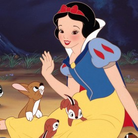 Snow White playing with the forest animals