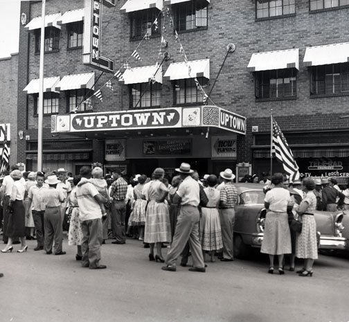 photo of Crowd gathering outside Uptown Theatre in Marceline, Missouri