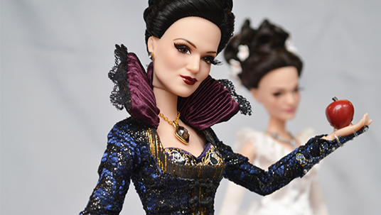 Once Upon a Time Snow White and Evil Queen Doll Collection