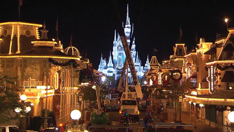 Walt Disney World Christmas.Walt Disney World Resort Transforms Main Street U S A For