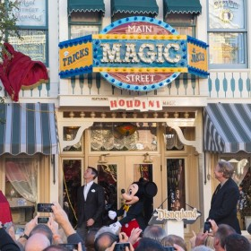 Tony Baxter at Disneyland accepting Main Street Marvels Award
