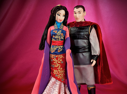 photo of collectible Mulan and Li Shan dress up dolls from Disney Fairytale Designer Collection