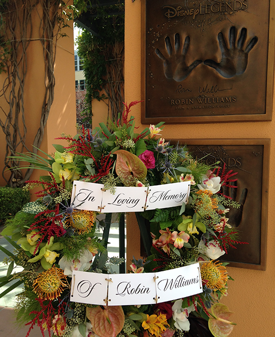 Photo of a memorial to Robin Williams