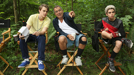 Kenny Ortega on set with cast members from Descendants