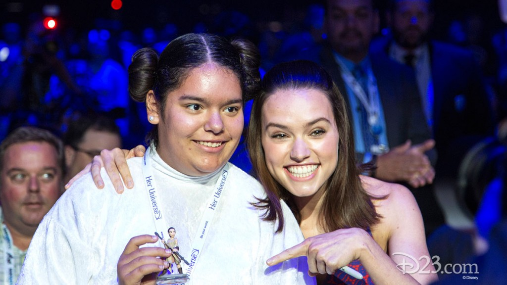 Daisy Ridley and Star Wars fan at D23 EXPO 2015