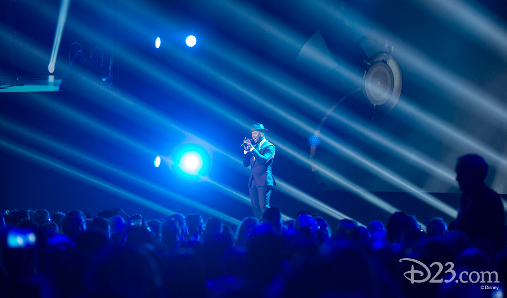 photo of singer Ne Yo performing on stage at Disney Legends Awards ceremony at D23 EXPO 2015