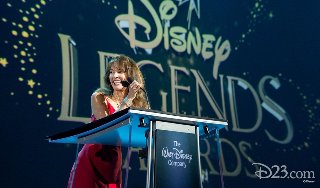 photo of Susan Lucci at podium accepting Disney Legend Award at D23 EXPO 2015