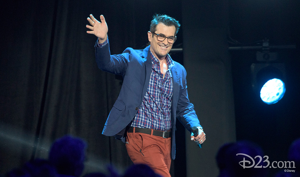 photo of Ty Burrell walking on stage