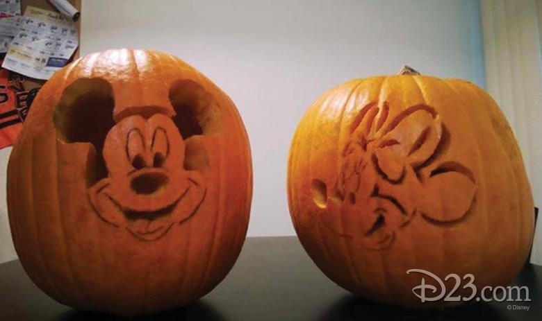 102615_fan-pumpkin-carvings-3