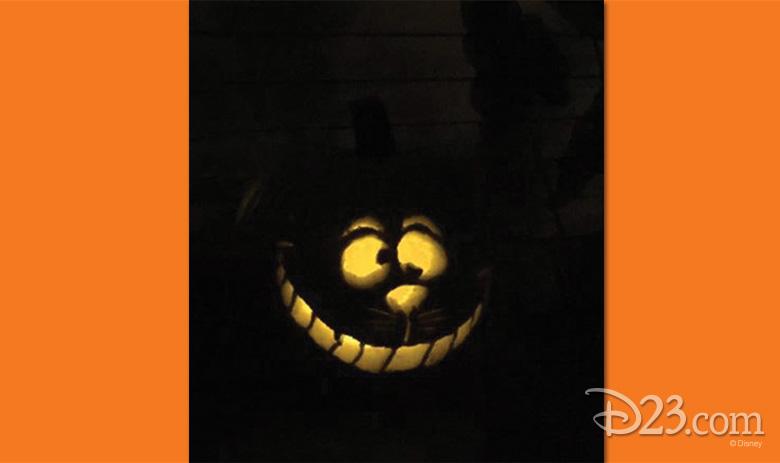 102615_fan-pumpkin-carvings-5
