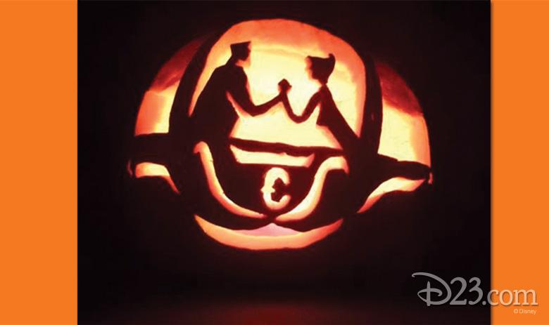 102615_fan-pumpkin-carvings-9