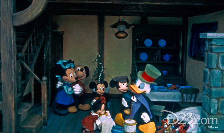 780w-463h_mickey-christmas-carol-main-street-6