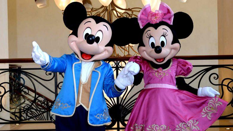 Mickey and Minnie at Shanghai Disneyland Hotel