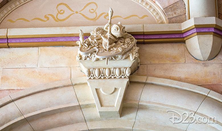 Pascal statue Shanghai Disneyland