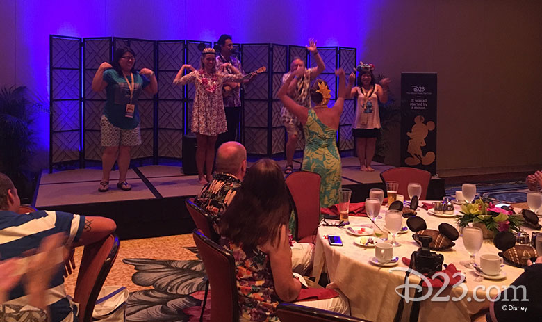 D23 Members have fun on stage - Aloha Aulani