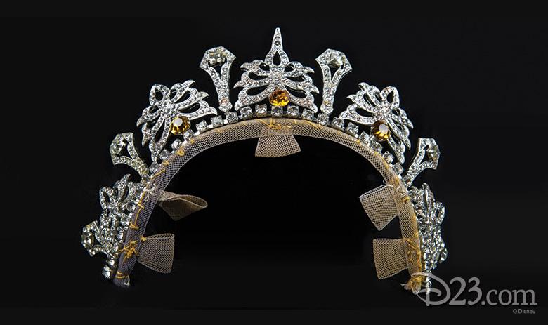Queen Clarisse Renaldi's silver tiara - The Princess Diaries