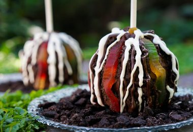 Halloween caramel apple