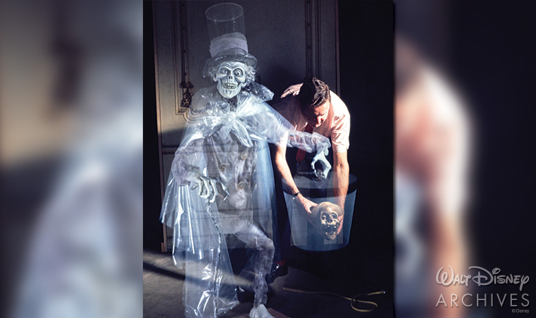 The Hatbox Ghost D23