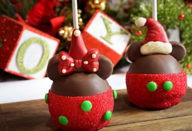 Mickey and Minnie santa candy apples