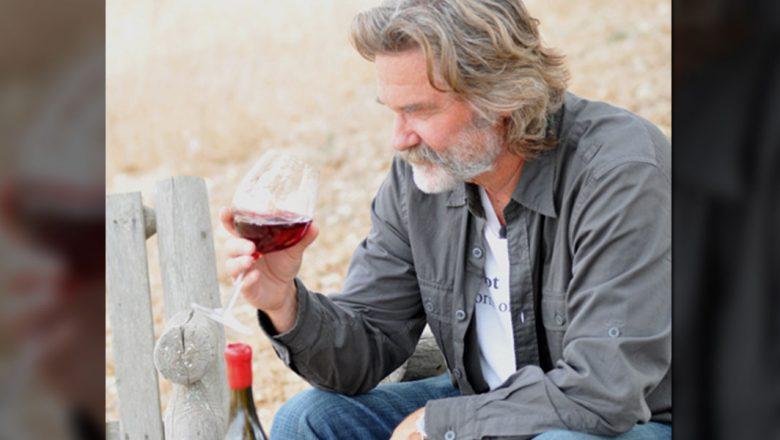 Kurt Russell with his Gogi wine