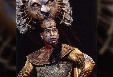 Alton Fitzgerald White as Mufasa in The Lion King