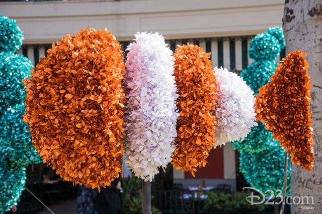 Pixar Fest Topiaries - Nemo