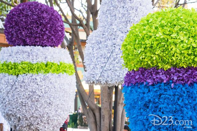 Pixar Fest Topiaries - Buzz Lightyear and Green Alien