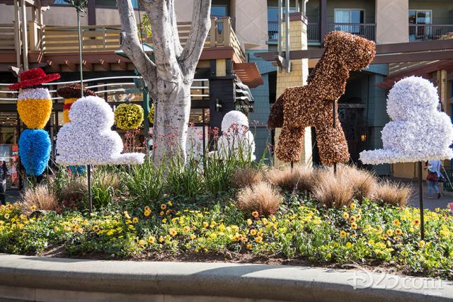 Pixar Fest Topiaries - Jessie, Woody, and Bulls-eye