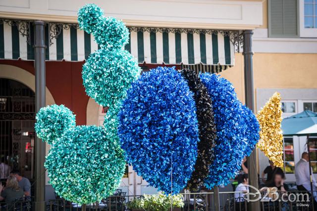 Pixar Fest Topiaries - Dory