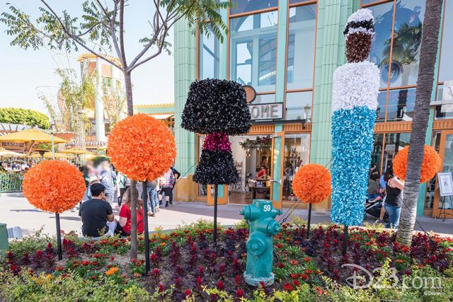 Pixar Fest Topiaries - Edna Mode and Frozone