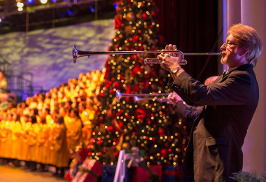 """Watch Epcot's """"Candlelight Processional"""" with Neil Patrick Harris LIVE Tonight"""
