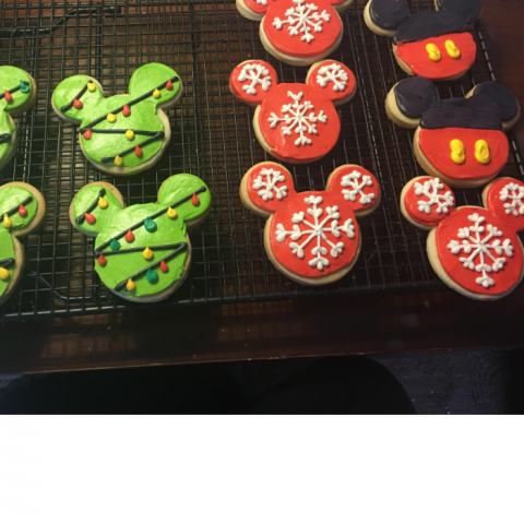 Matthew Columbus' Mickey Mouse Christmas decorated sugar cookies