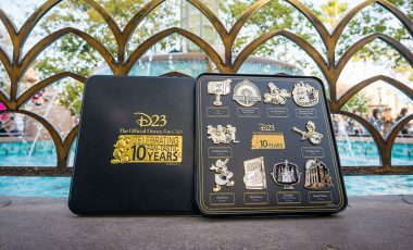 Unboxing the EXCLUSIVE D23 10 FAN-tastic Milestones Pin Set | D23 2019 Gold Member Gift