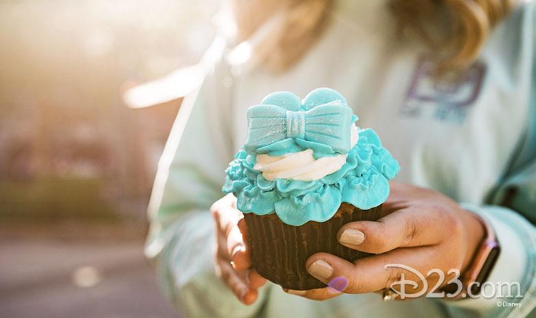Arendelle Aqua Cupcake