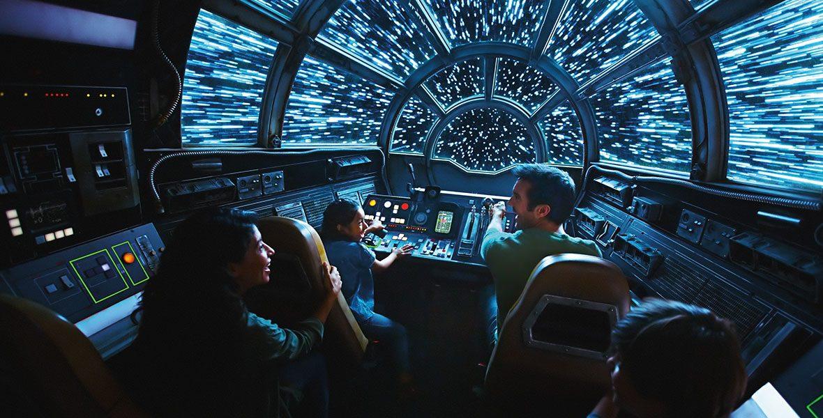 Millennium Falcon: Smuggler's Run AZ