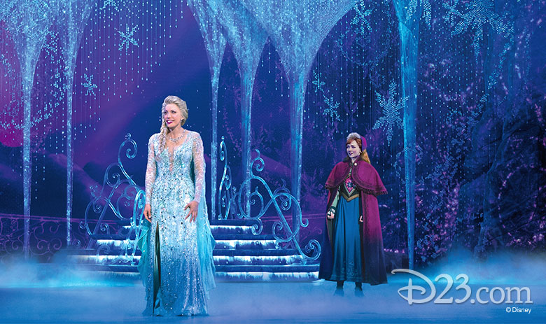 Anna and elsa on stage