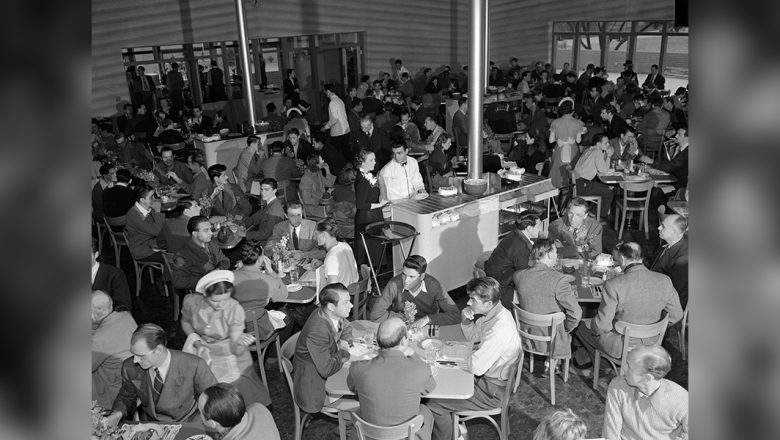 Walt Disney Studios Commissary Main Room