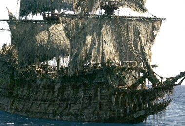 Pirates of the Caribbean Flying Dutchman models
